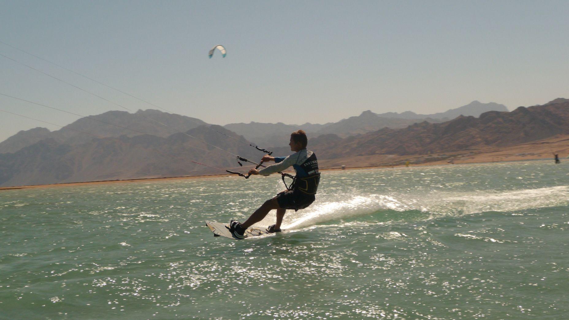 Dahab - sesja freestyle kitesurfing - zdjęcia, atrakcje